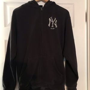 Men's Size Small Adidas Brand Yankees Hoodie EUC